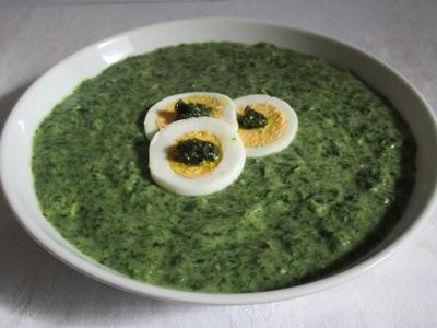 Medvehagyma főzelék főtt tojással