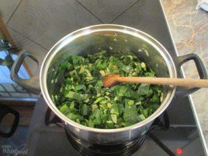 Medvehagyma főzelék készítése