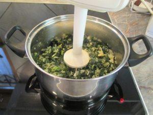 Medvehagyma főzelék - turmixolás