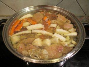 Kocsonya főzés zöldségekkel