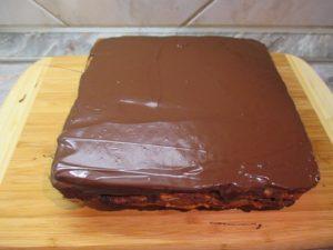 Csokoládé máz elkenve