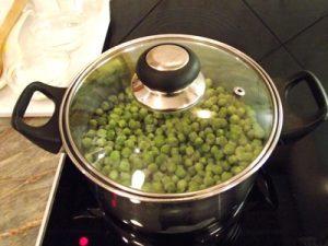 Zöldborsó főzelék - zöldborsó párolása