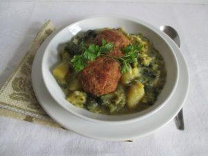 Kelkáposzta főzelék fasírozottal 1