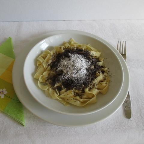 Mákos tészta