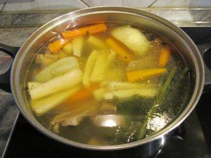 Húsleves orjacsontból zöldségekkel 2