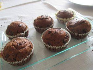Csokis muffinok tálalva 2