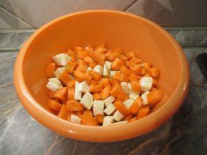 Kockára vágott zöldségek