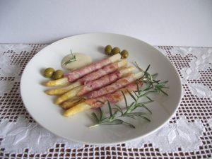 Spárga baconben - tálalás 1