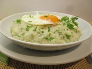 Krumpli főzelék tálalva 1