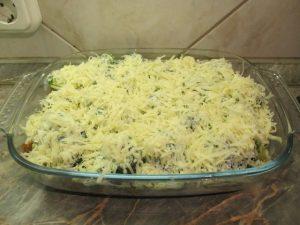 Megszórva reszelt sajttal