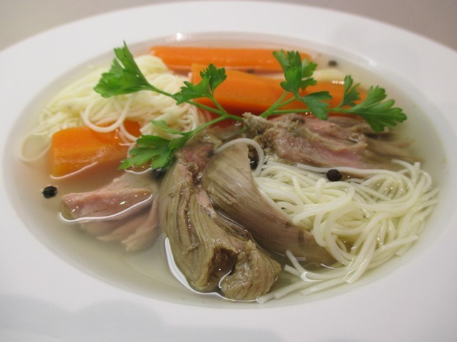 Pulykanyak leves tálalva 2