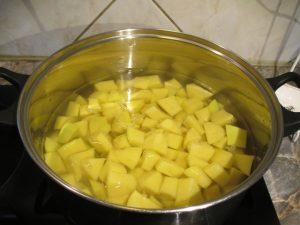 Kockára vágott krumpli