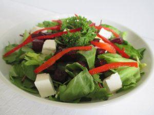 Saláta céklával, fetával