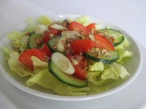 Saláta dióval
