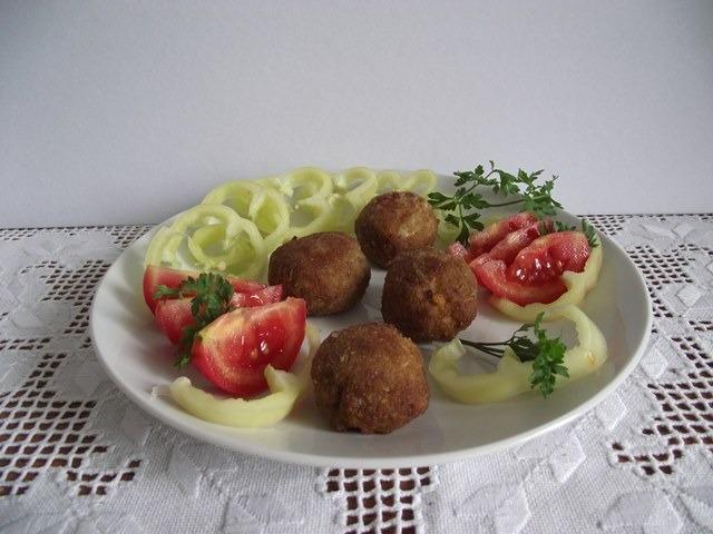 Húsgombóc zöldségekkel