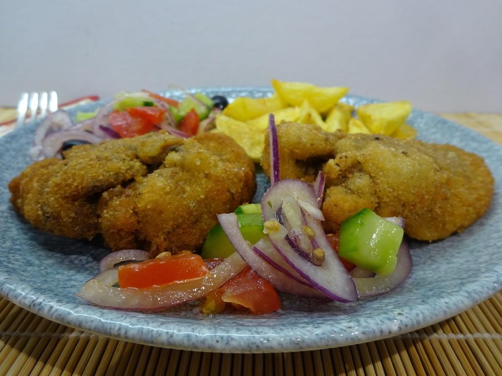 Rántott csirkemáj tálalva 3