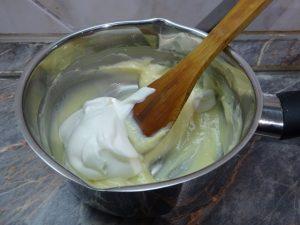 Tejszínhab vaníliás desszerthez