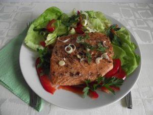 Lazacfilé salátával