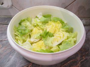 Fejes saláta szétszedve