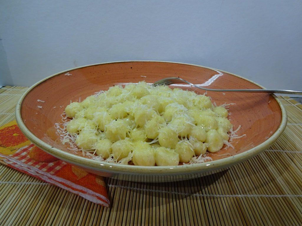 Gnocchi tálalva 1