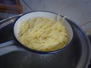 Spagetti főzve