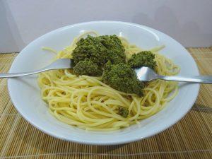 Spagetti és pesto