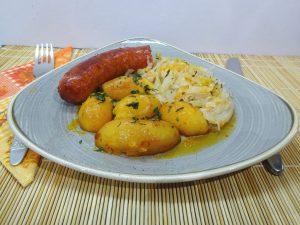 Sütőben sült kolbász krumplival 1