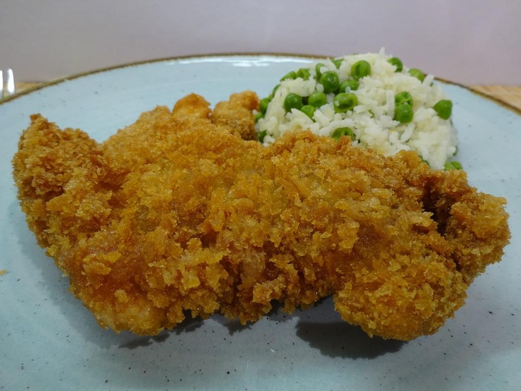 Panko morzsa csirkecomb tálalva 1