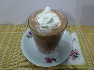 Tejszínhab csokis desszerthez