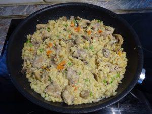 Csirkés gombás rizottó készen