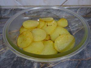 Lesütött krumpli szeletek