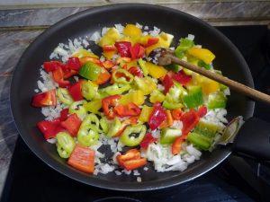 Zöldségek hozzáadása